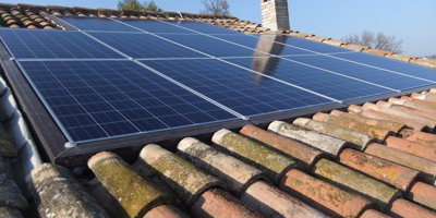 Solar panels mounting systems without drilling the roof
